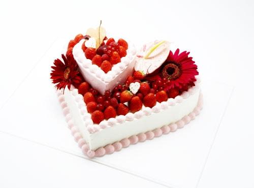 đặt bánh sinh nhật ở nhật